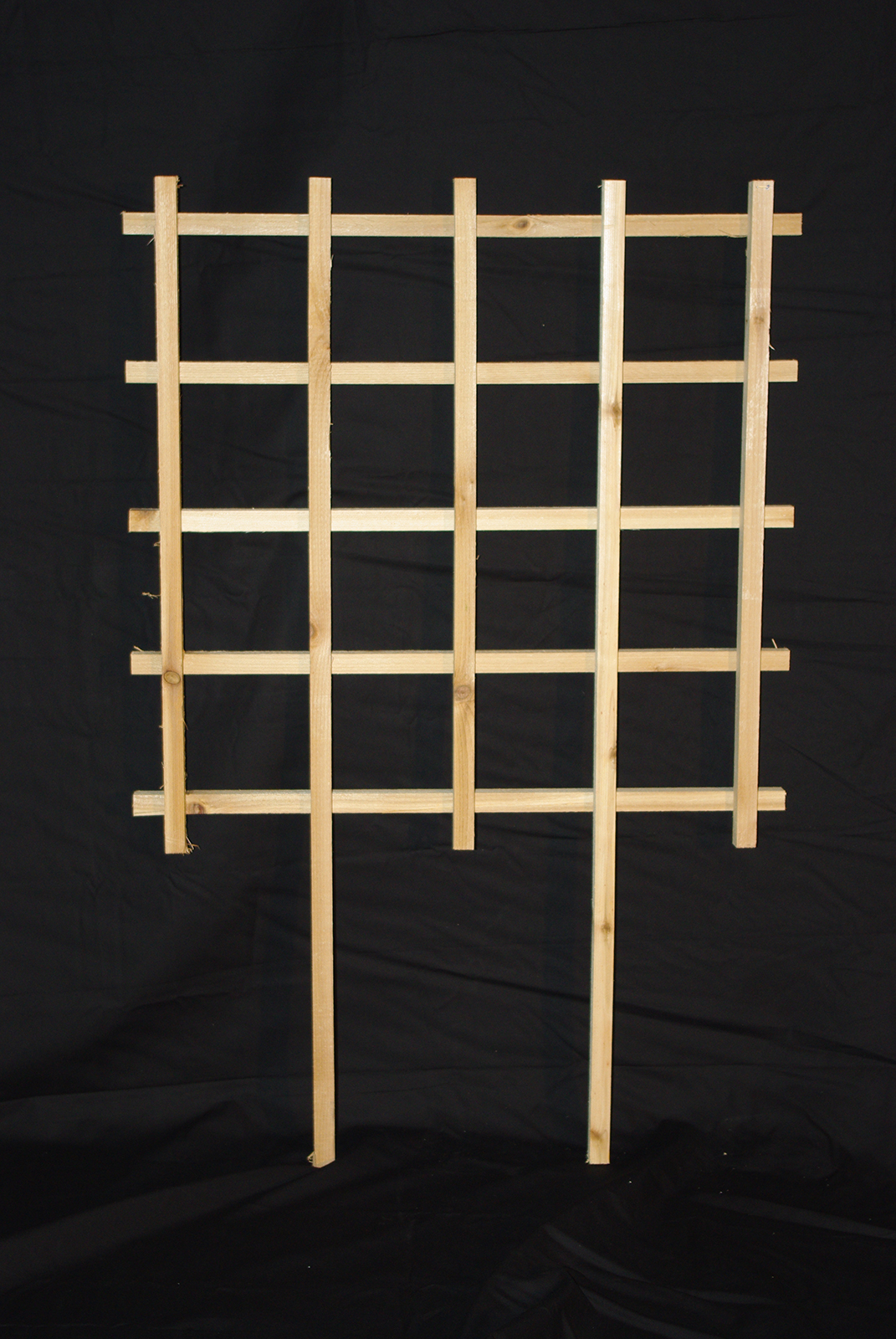 2'x2' Trellis with Legs for Mounting in the Ground